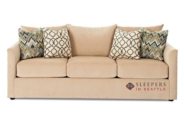 Savvy Aventura Sofa in Homerun Ivory