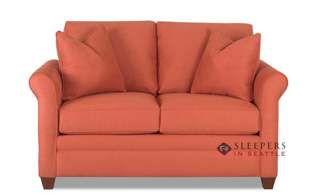 Savvy Denver Loveseat